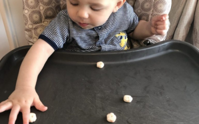 6 Easy Ways to Practice Pincer Grasp with Your Baby