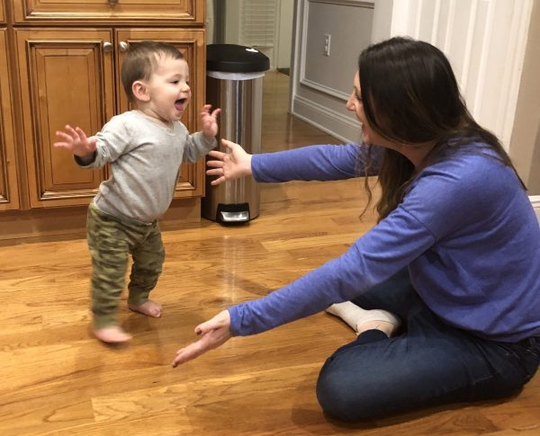 If your baby or toddler hasn't started walking yet, here are some tips to teach your child to take steps and learn to walk independently. Make it fun & easy