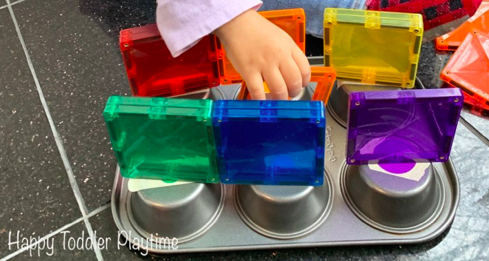Use these simple muffin tin activities to come up with new ways to teach your toddlers & preschoolers. Using household items your child can learn new skills