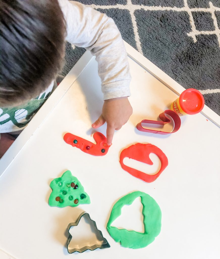 """What better way to pass the time during the advent than with a fun Christmas activity? Your kids will delight in creating fun Christmas """"treats"""" from start to finish."""