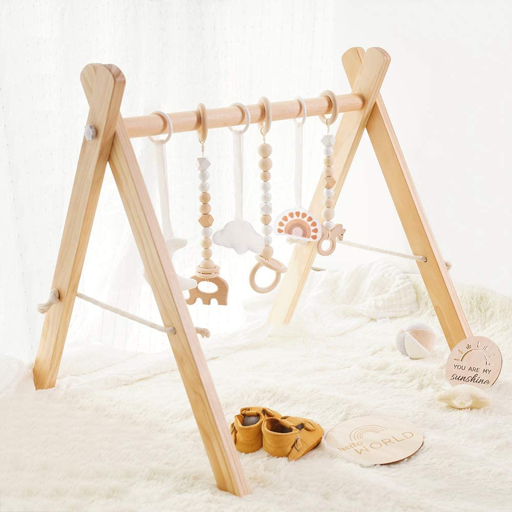 Some great developmental toy options for your 3 to 6 month old baby that will help them to explore, discover, play, & learn.