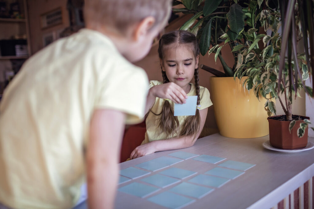 Beginning readers should develop sight words to support early reading. Here are tips on how to teach sight words to kindergarteners & pre-k